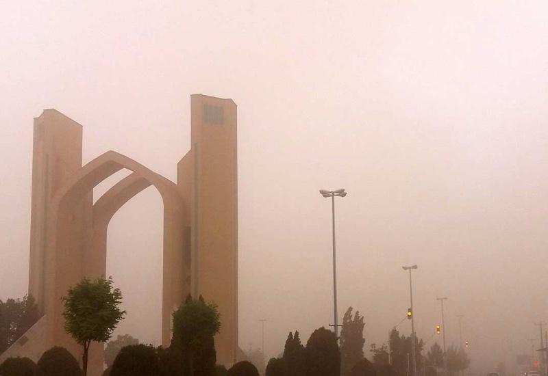 هوای یزد در شرایط ناسالم واقع شده است