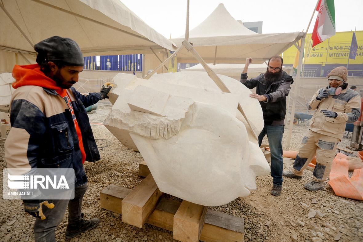 خبرنگاران دوسالانه مجسمه سازی مطالبه جمعی مردم و هنرمندان